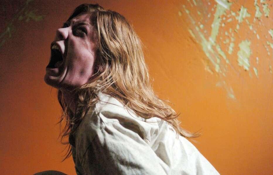 The-Exorcism-of-Emily-Rose-2005-Scott-Derrickson-07.jpg