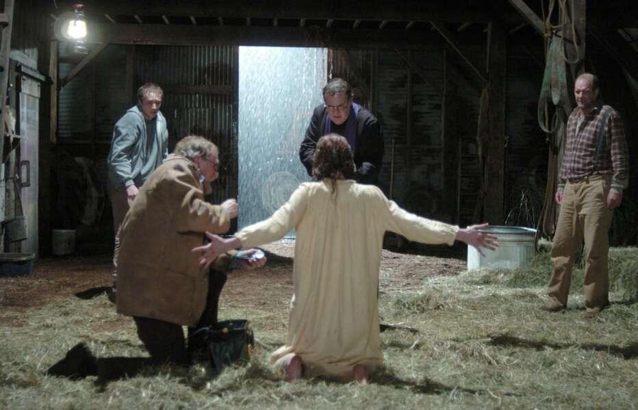 The-Exorcism-of-Emily-Rose-2005-Scott-Derrickson-09.jpg