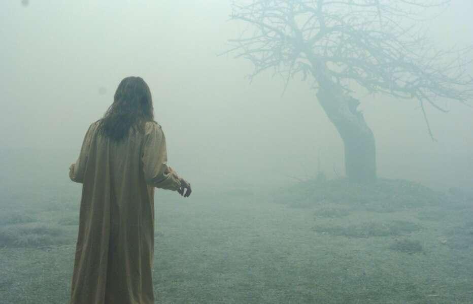 The-Exorcism-of-Emily-Rose-2005-Scott-Derrickson-10.jpg