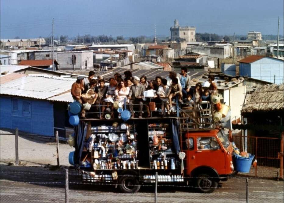 brutti-sporchi-e-cattivi-1976-ettore-scola-03.jpg